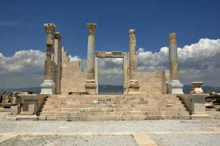 Pagan Temple at Laodicea. Photo ©Leon Mauldin.