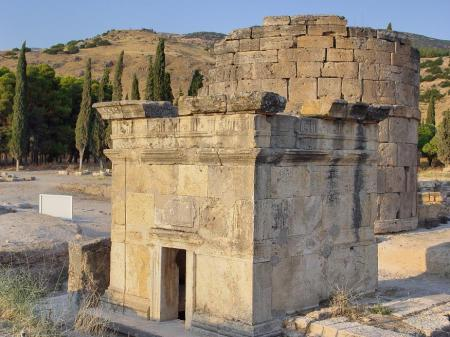 Tomb of Flavius Zeuxis, merchant of Hierapolis. Photo ©Leon Mauldin.