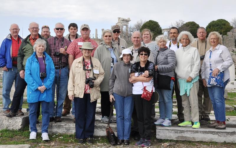 Group photo at Pergamum. Photo by Orhan.